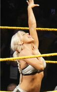 Dana Brooke signature pose (cropped)