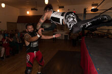 Mr 450 dive at LuchaTO