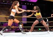 Naomi vs Aj