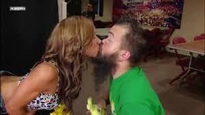 File:Aj lee kissing hornswaggle .jpg