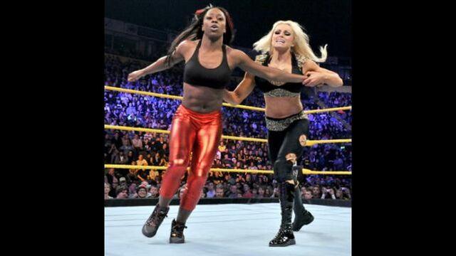 File:Naomi vs aksana .jpg