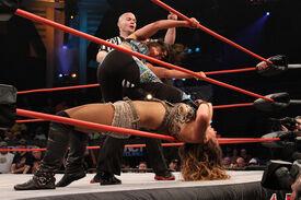 Serena @ Knockouts Knockdown
