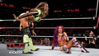 Sasha Banks shows no sympathy for Alicia Fox- WWE TLC 2017