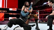 Jeff Hardy trie escaping from Mahal