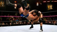 Reigns puts Donovan to the mat