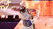 Enzo-Amore bounds to the square circle