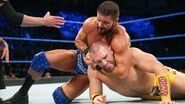 Roode had Rawley in a headlock