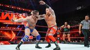 Wilder fighting back Heath Slater