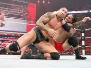 Jey-Uso fighting Randy-Orton