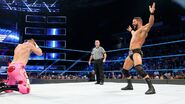 Bobby-Roode showin' off to Kanellis