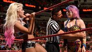 Alexa Bliss protect herself from Asuka