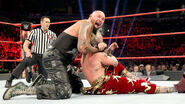 Luke Gallows grappling Enzo