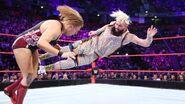 Enzo hit Dunne knee