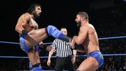 Roode caughts Mahal legs