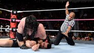 Kane pinfall for win on Finn-Balor