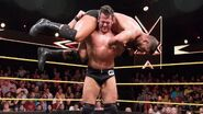 Strong carry Roode