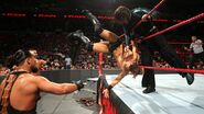 Jeff clothesline the-Miz out