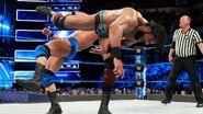 Mahal kick Roode at the face