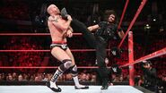 Rollins pushes back Cesaro