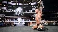 Aleister Black capture the NXT Champion
