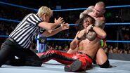 Randy-Orton putting Shinsuke headlock