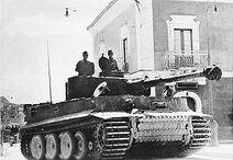 300px-Bundesarchiv Bild 183-J14953, Sizilien, Panzer VI (Tiger I)-1-