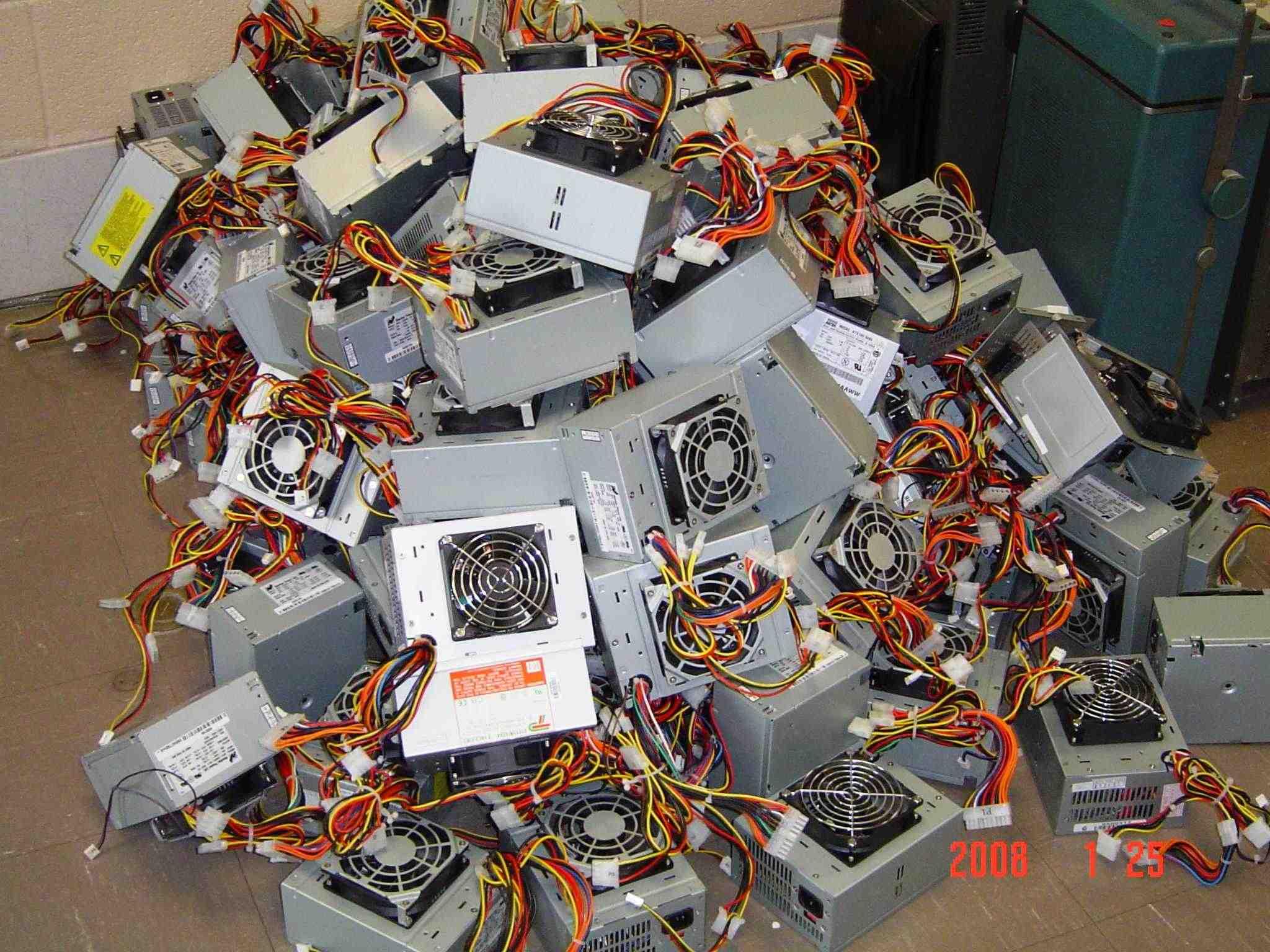 Power Supply Pile 1 sm