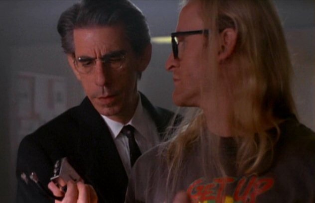 File:Richard Langly and Detective Munch.jpg