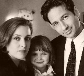 File:Scully mulder and emily.jpg