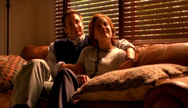 File:Fox Mulder and Dana Scully as Rob Petrie and Laura Petrie.jpg