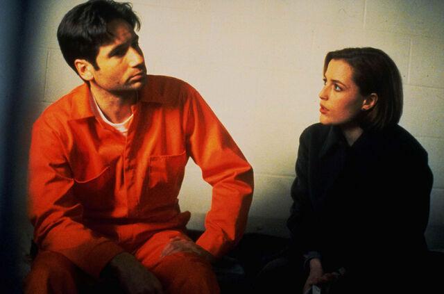 File:Mulder Scully Prison Demons.jpg