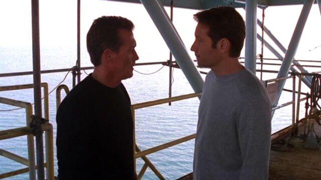 File:John Doggett and Fox Mulder on Galpex Orpheus.jpg