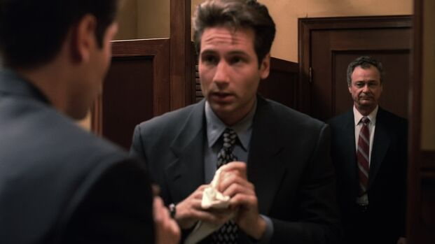 File:Fox Mulder first sees Deep Throat.jpg