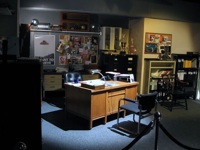 File:Mulder's office from Hollywood Entertainment Museum-1440.jpg