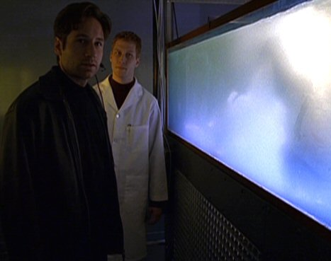 File:Fox Mulder with Kurt Crawford clone.jpg