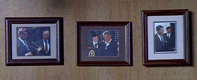 File:Howard Graves with Presidents.jpg