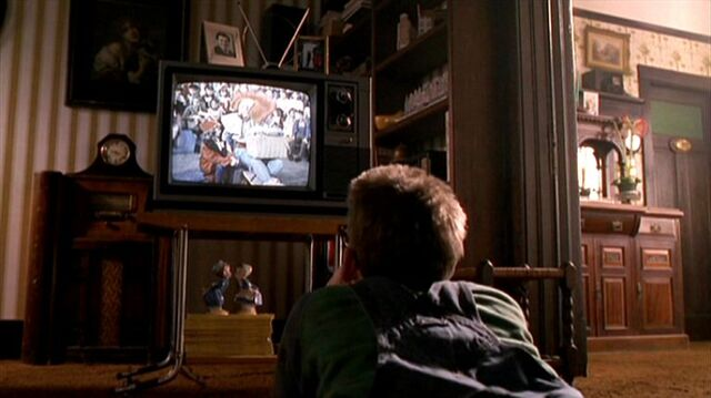 File:Richard Langly watches television.jpg