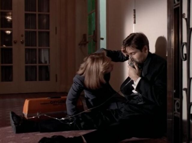 File:Dana Scully Fire and Mulder.jpg