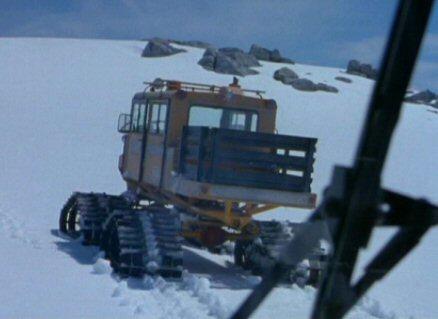 File:Snowcat (rear).jpg