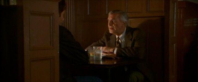 File:Alvin Kurtzweil and Fox Mulder sit.jpg