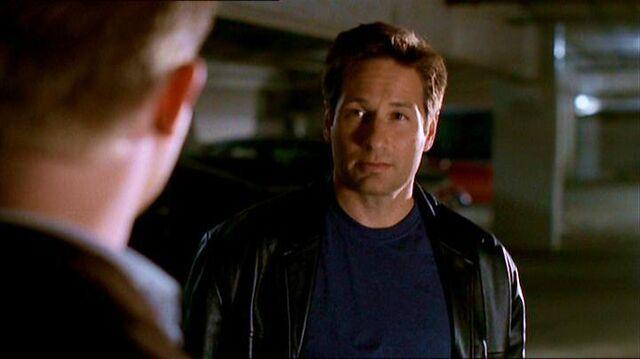 File:Fox Mulder meets Jimmy Bond.jpg