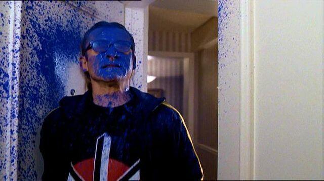 File:Richard Langly is sprayed blue.jpg