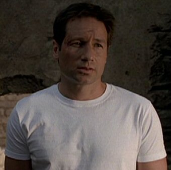 Файл:Fox Mulder (2002).jpg
