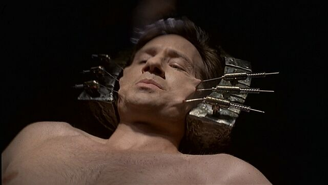 File:Mulder in the ship.jpg