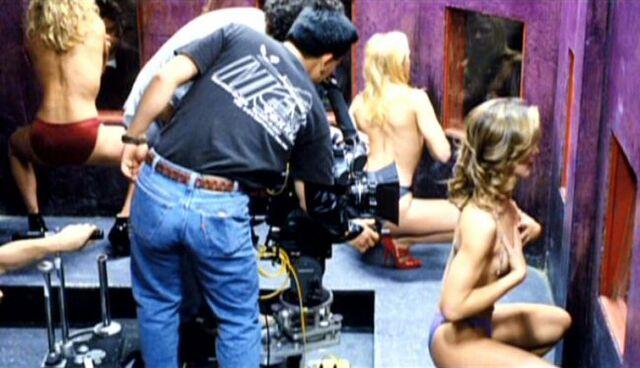 File:Ruby Tip club is filmed.jpg
