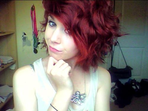 File:Alternative-cute-emo-girl-red-hair-Favim.com-262786.jpeg