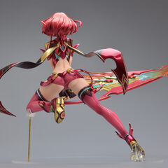 The 1/7 scale Pyra figure