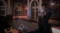 1x12 Evil Queen in Dark Castle