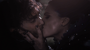 1x07 Forced kiss