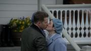 6x22 David Snow kiss